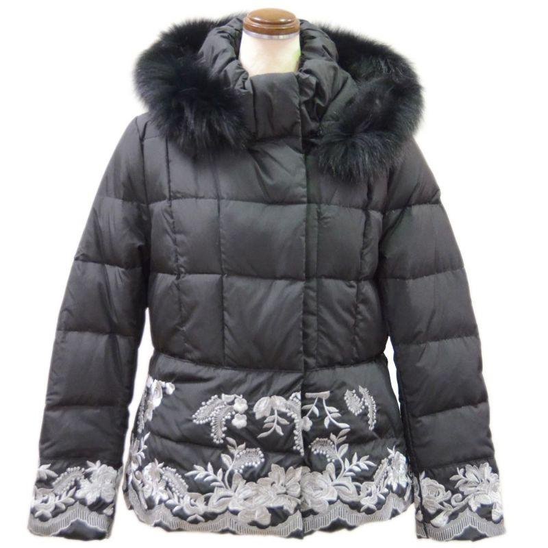 FOXファー&刺繍使い暖かショートダウンコート(ブラック)